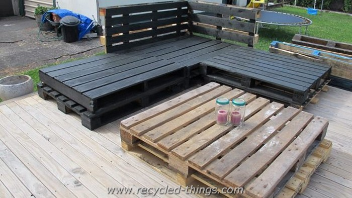 Wooden Pallet Deck Furniture
