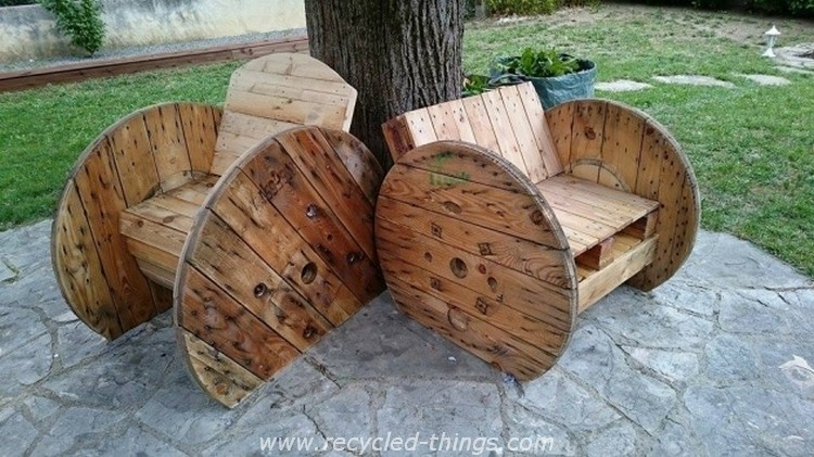 Cable Reel with Pallet Chairs