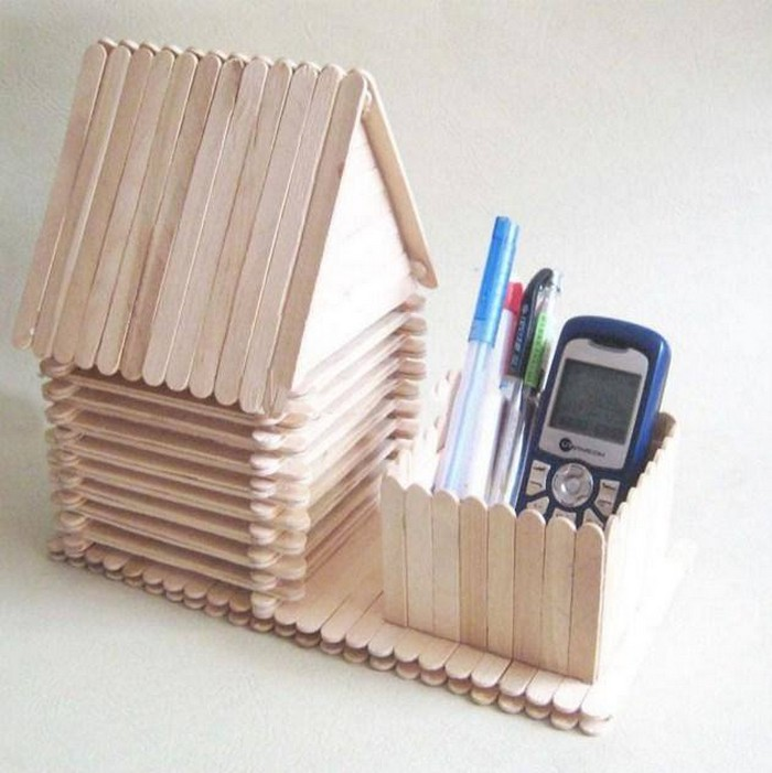 Amazing crafts created with popsicle sticks recycled things for Cool popsicle stick creations