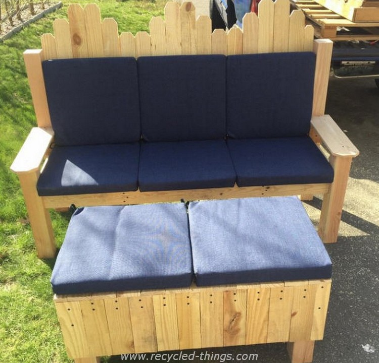 Pallet Sofa and Ottoman