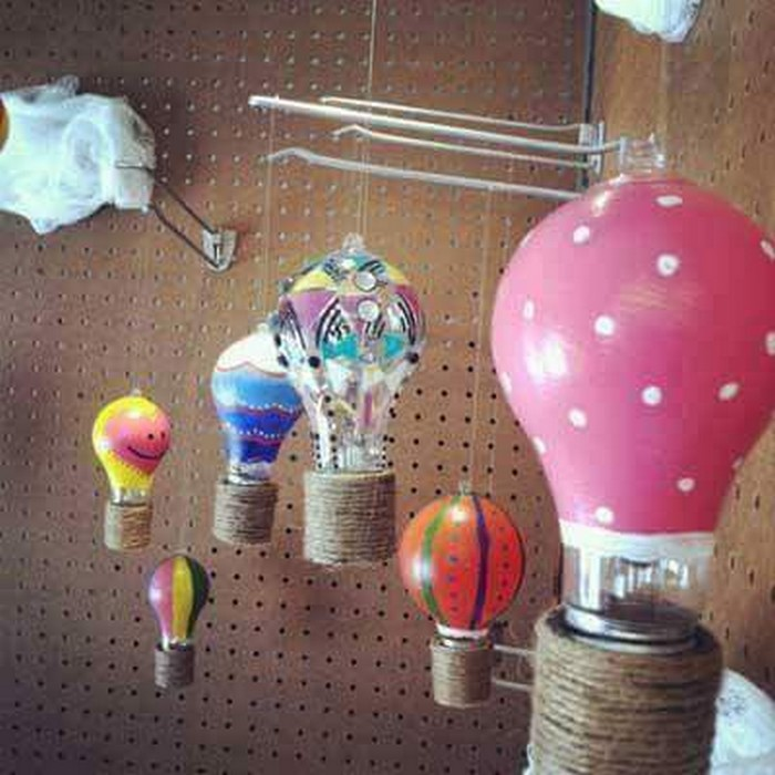 Recycled Bulb Decor Ideas