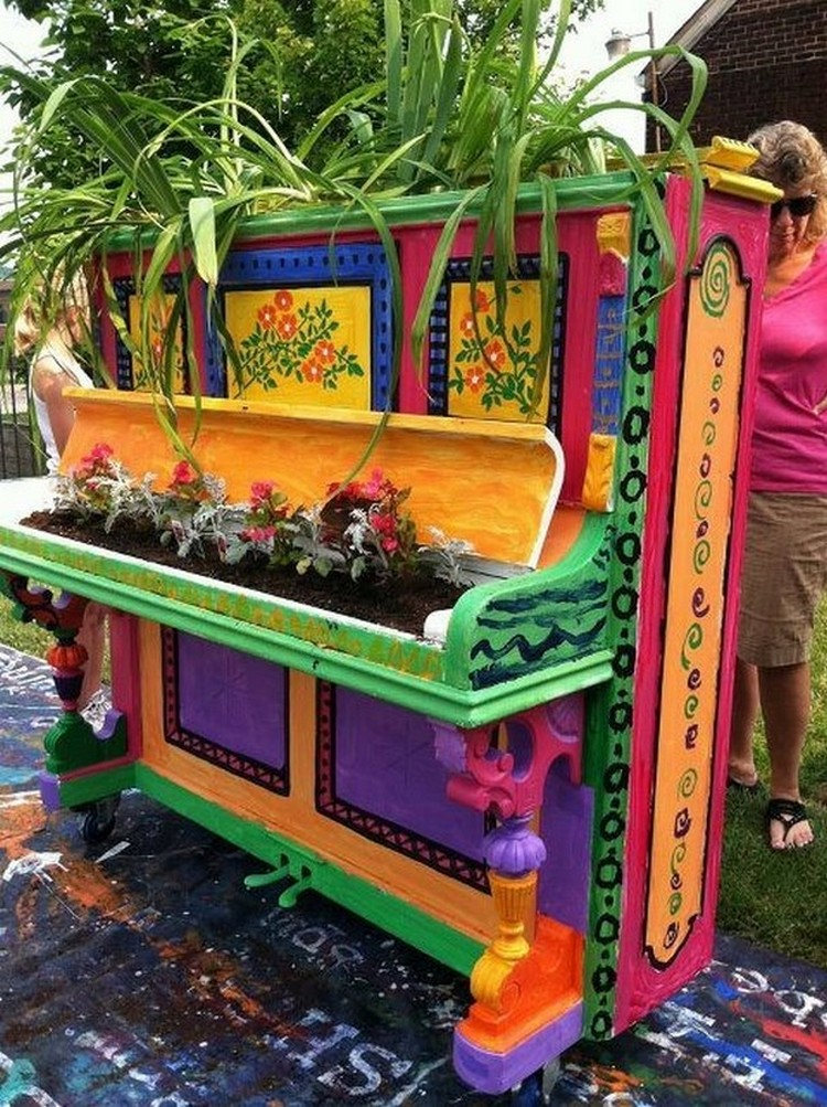 Old pianos reused in different ways recycled things for Recycled decorative items