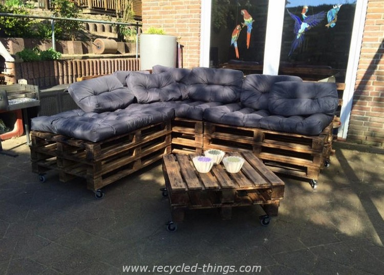 Wooden Pallet Patio Furniture