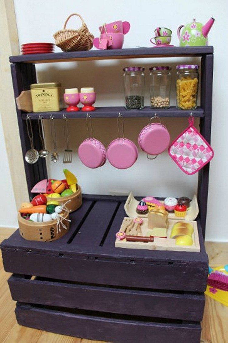 Pallet Kitchen for Kids