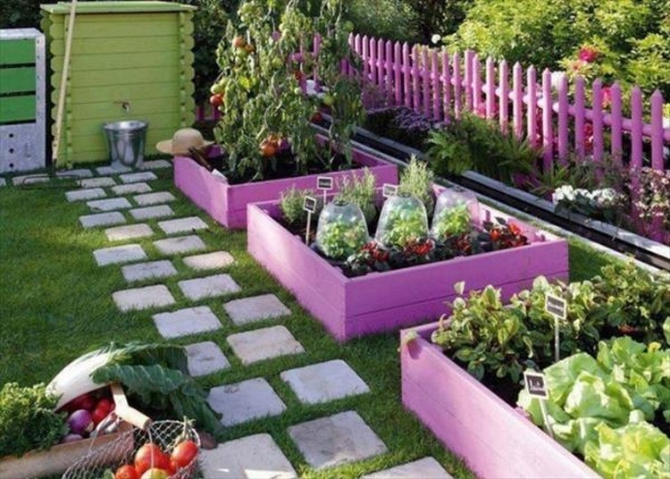 Pallet Raised Garden Beds and Fence
