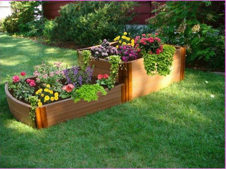 Wood pallet raised garden beds recycled things for Garden flower bed design ideas