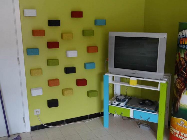 Pallet Corner TV Stand