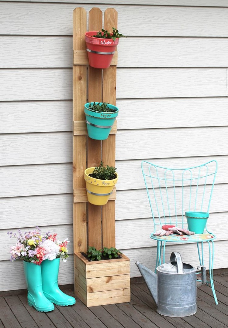 Easiest diy projects with wooden pallets recycled things for Diy crafts with pallets