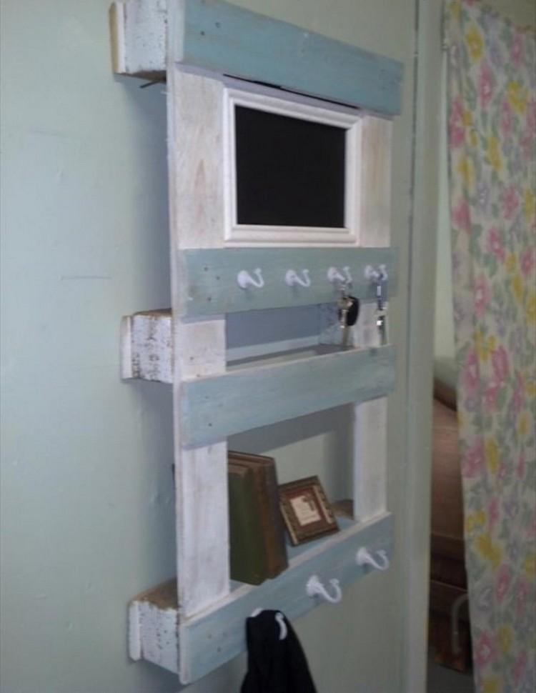 Upcycled Pallet Shelf