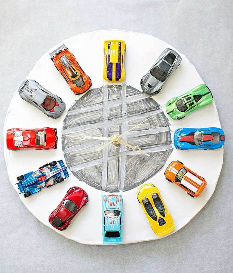 20 ingenious diy clock project ideas recycled things for Small clocks for crafts