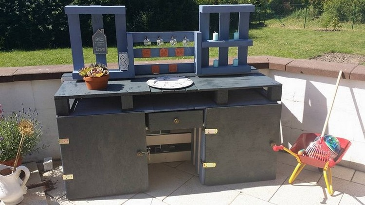 Pallet Outdoor Cabinet