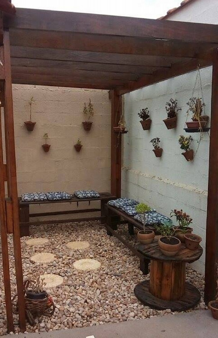 Pallet Patio Lounge Decor