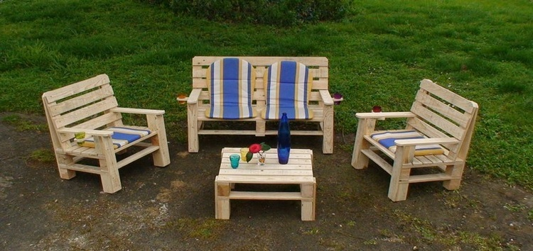 Pallet Wood Outdoor Furniture