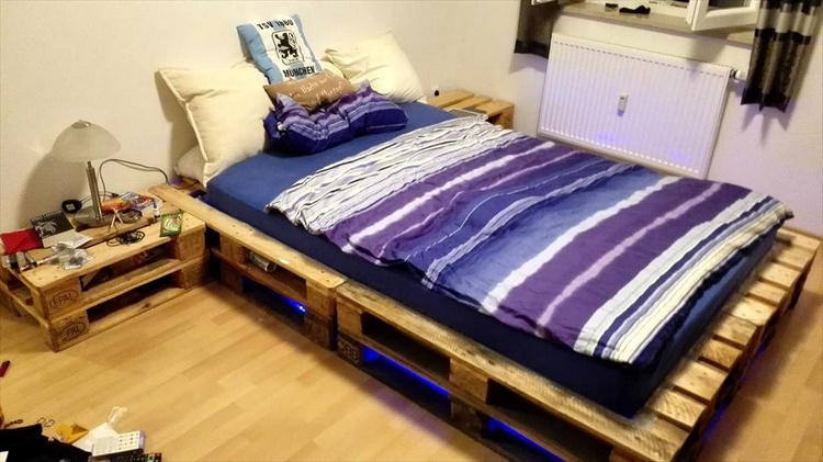 Diy pallet projects to be in your next to do list for Pallet bed frame with lights pinterest