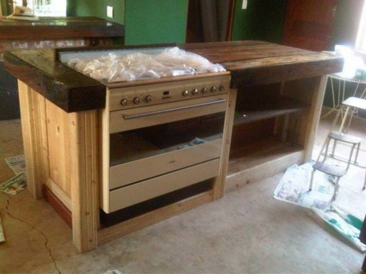 Pallet Kitchen Coubert