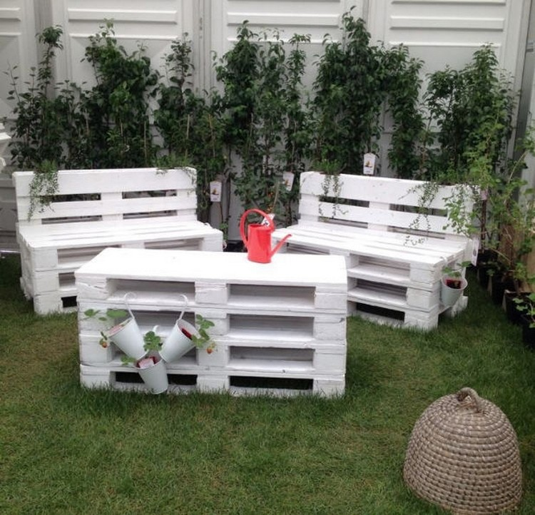 Adorable Pallet Outdoor Furniture