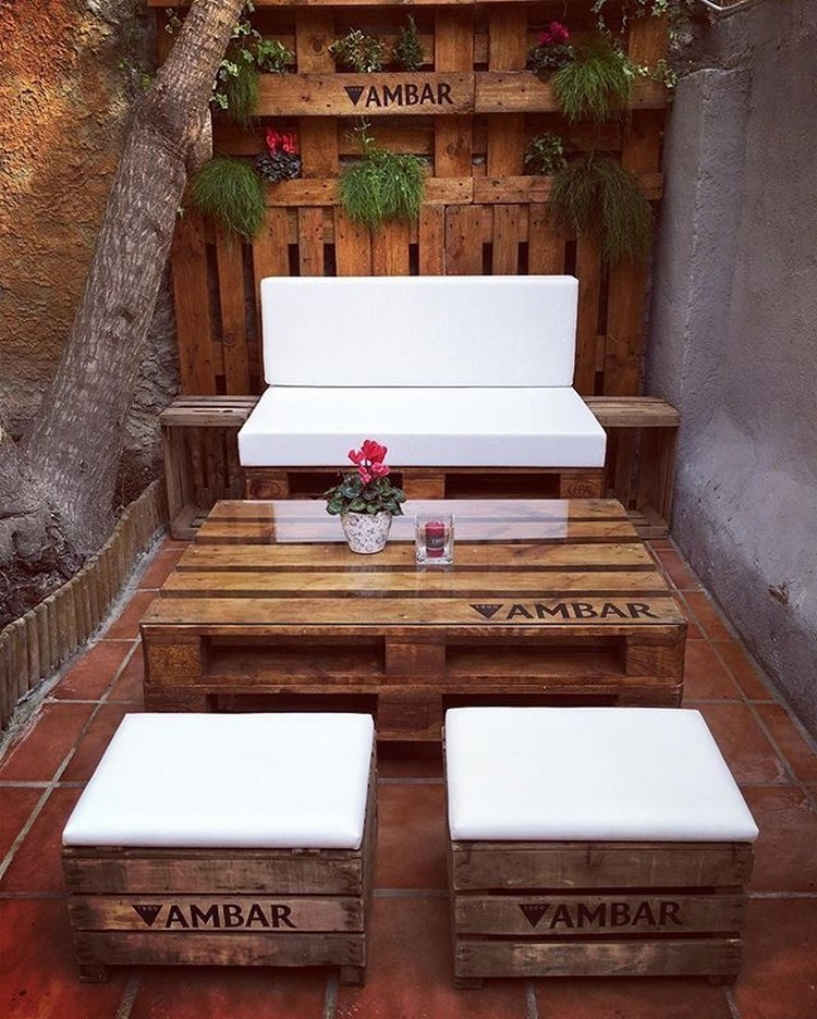 Cute Pallet Outdoor Furniture