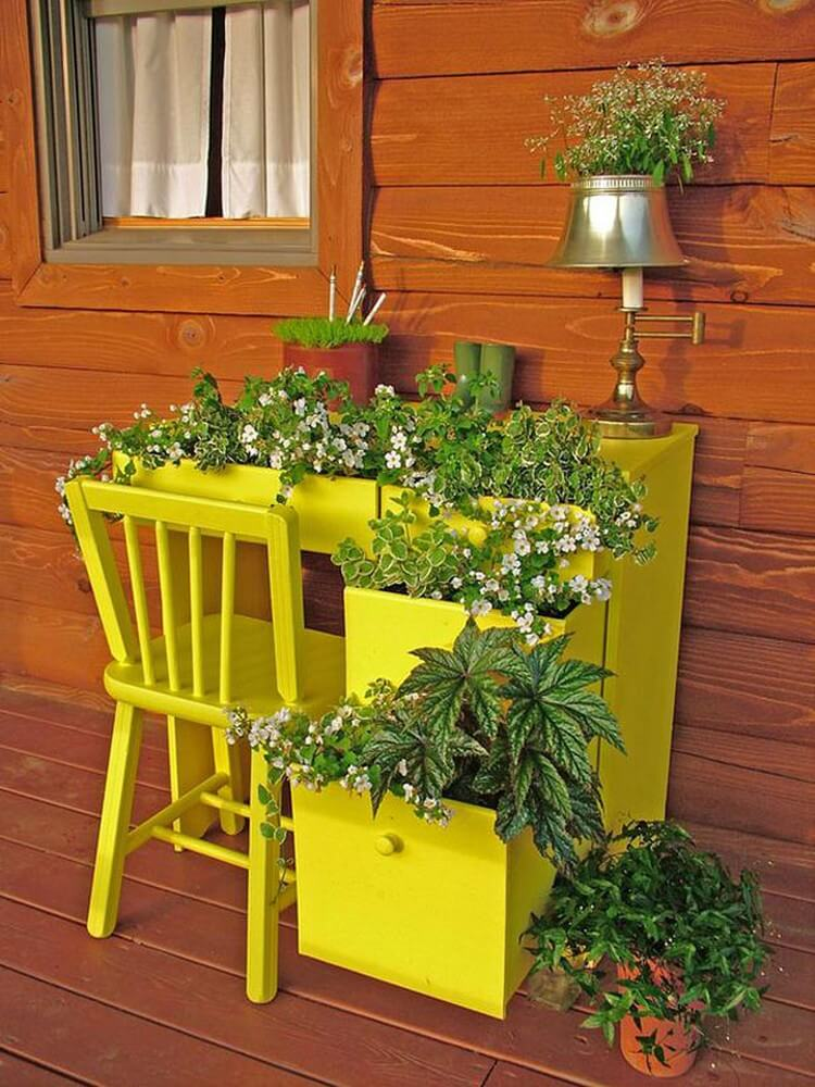 Old Drawers Planter