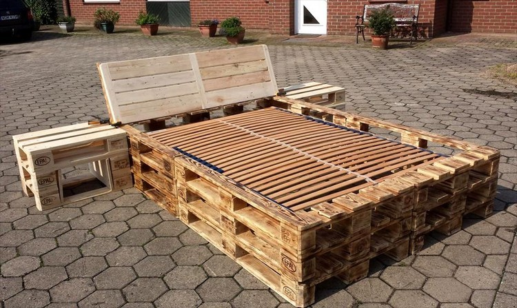 Pallet Bed Frame with Nightstands