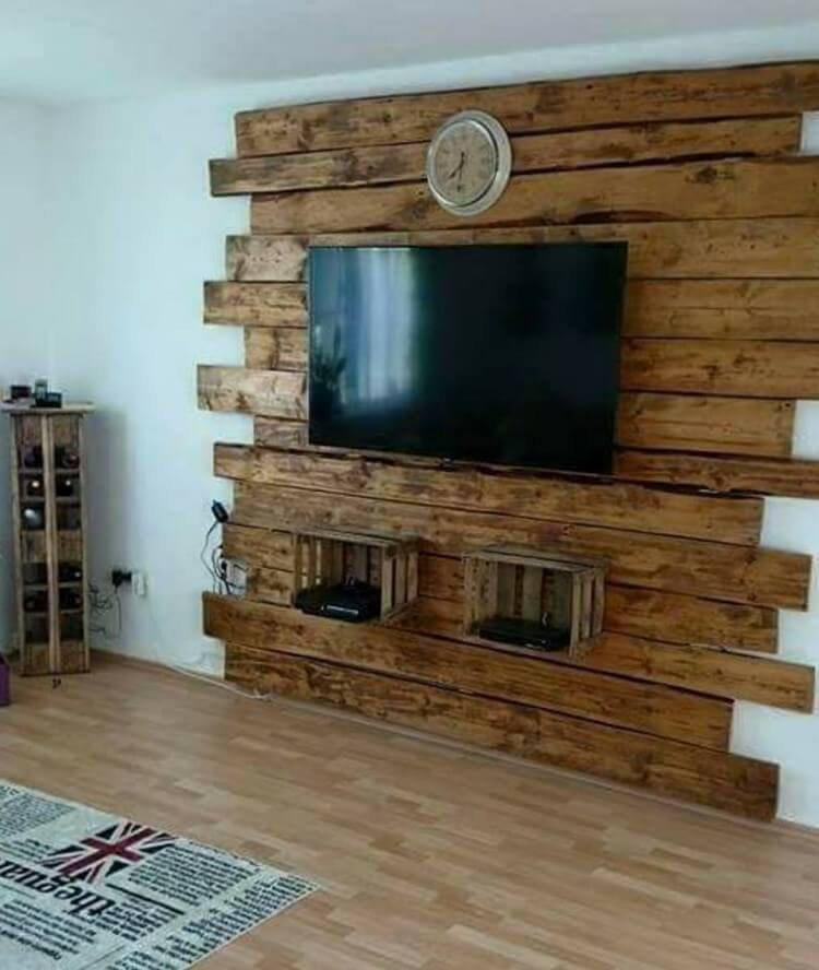 Pallet Wood Wall Dining Room