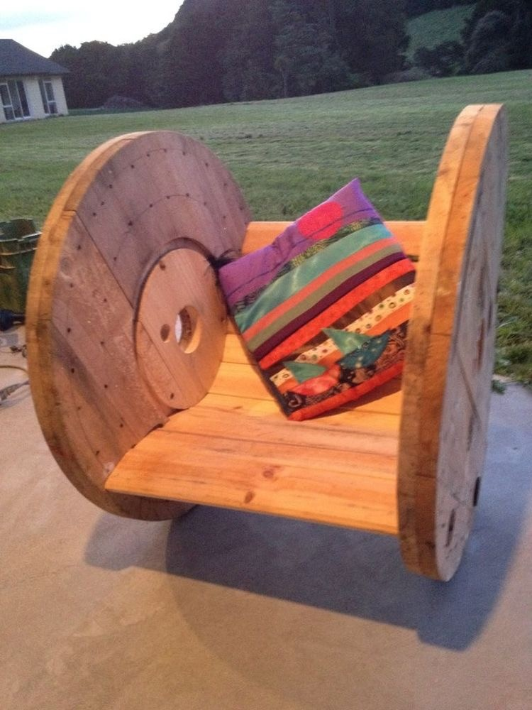 Pallet and Cable Spools Seat