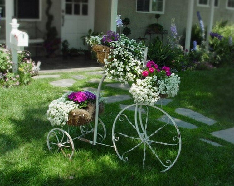 Pretty Garden Decorating Idea
