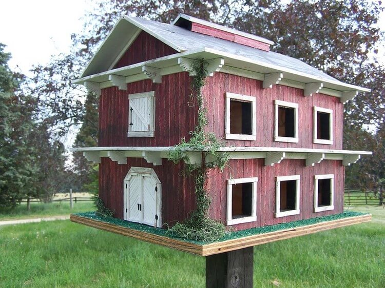 Cute Garden Birdhouse