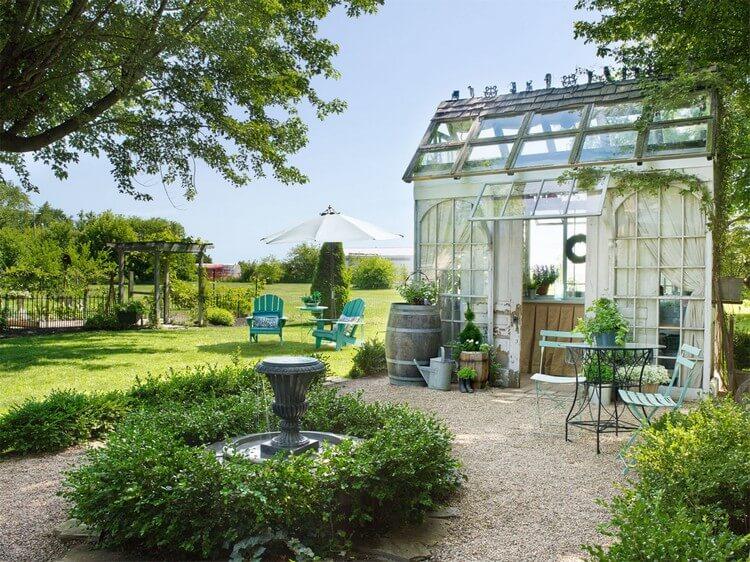 Elegant Backyard Decor Idea