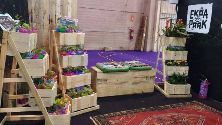 Wood Pallet Planters and Seat