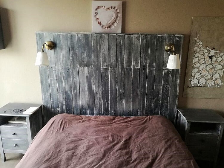 Recycled Pallet Headboard and Side Tables