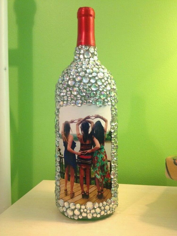 Creative diy recycled wine bottle craft ideas recycled for Recycling wine bottles creatively