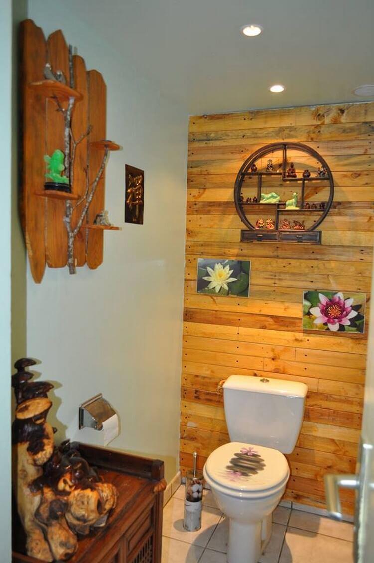Wood Pallet Bathroom Display Wall