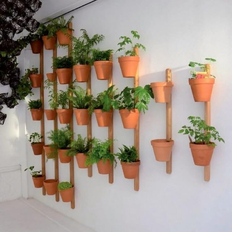 20 Excellent DIY Vertical Garden Ideas for Your Home | Recycled Crafts