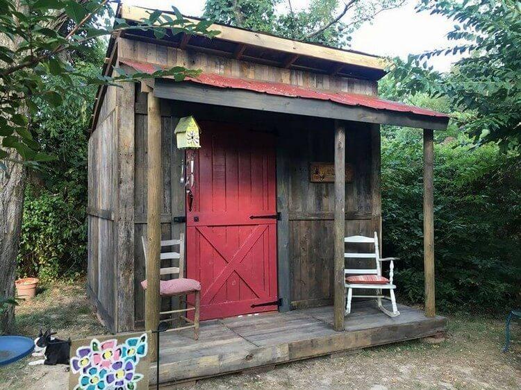 Pallet Cabin Deck