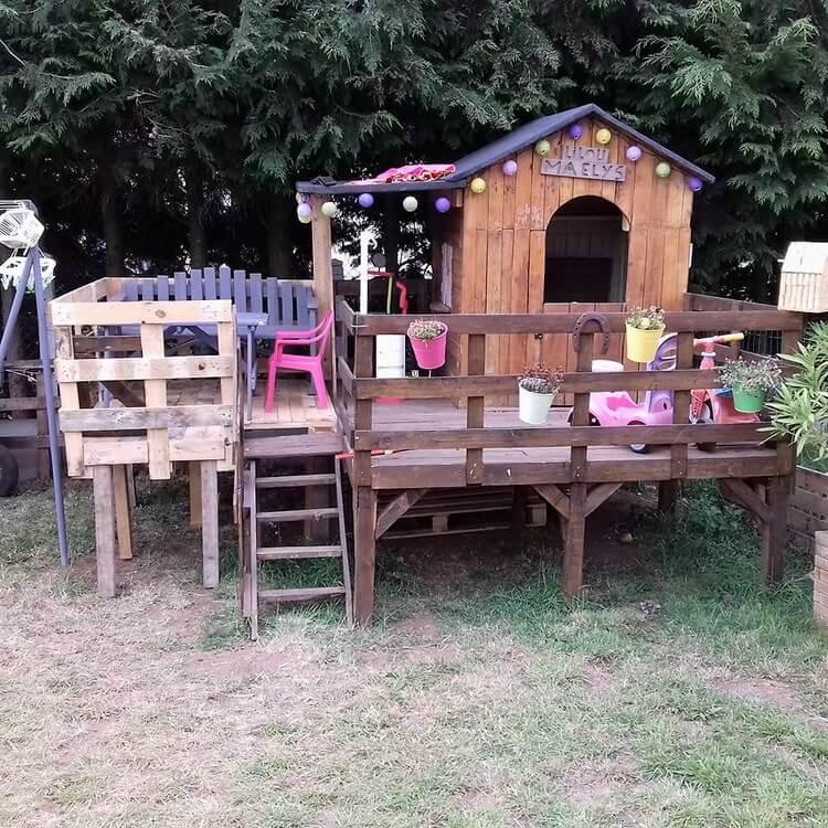 Pallet Deck Cabin