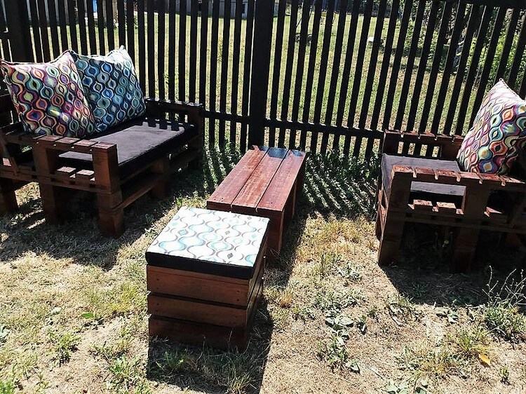 Pallet Garden Couches and Table