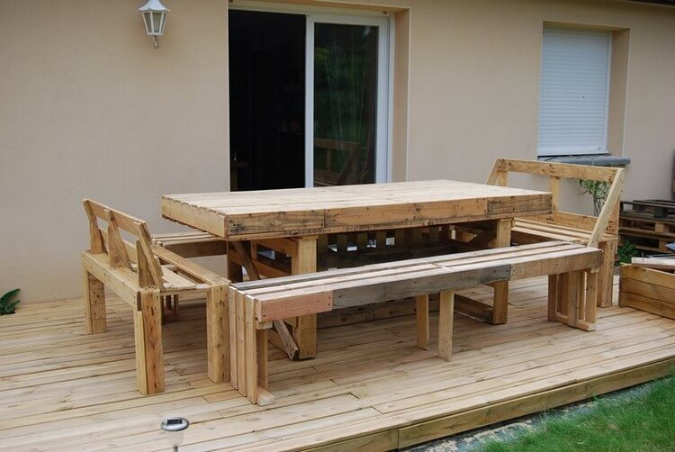 Pallet Terrace with Dining Furniture