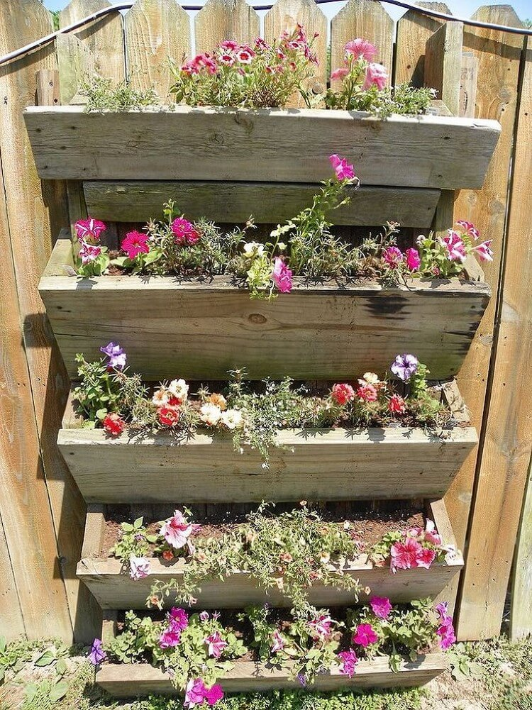 20 excellent diy vertical garden ideas for your home for Vertical garden designs