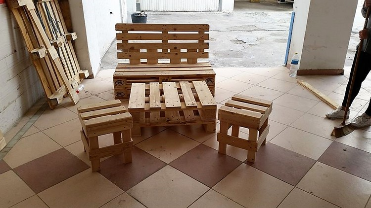 Pallet Bench, Table and Stools