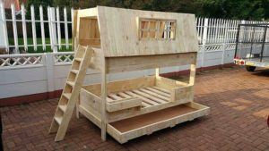Transform Old Shipping Pallets into Creative Home Furnishings