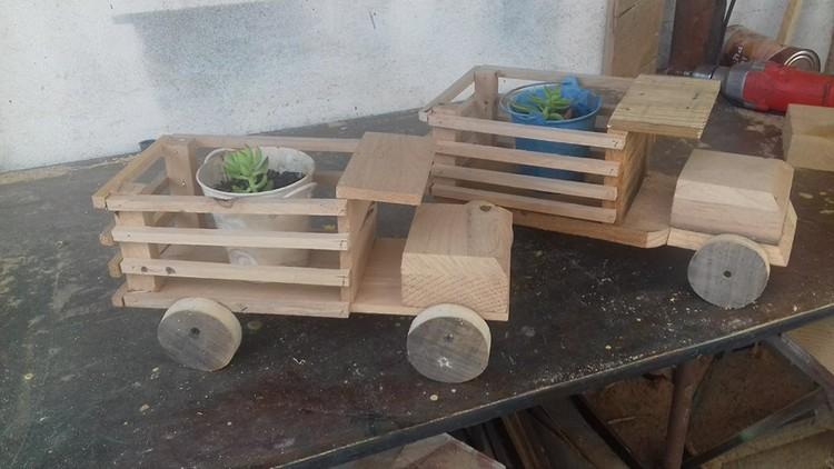 Pallet Mini Truck for Planter Pots