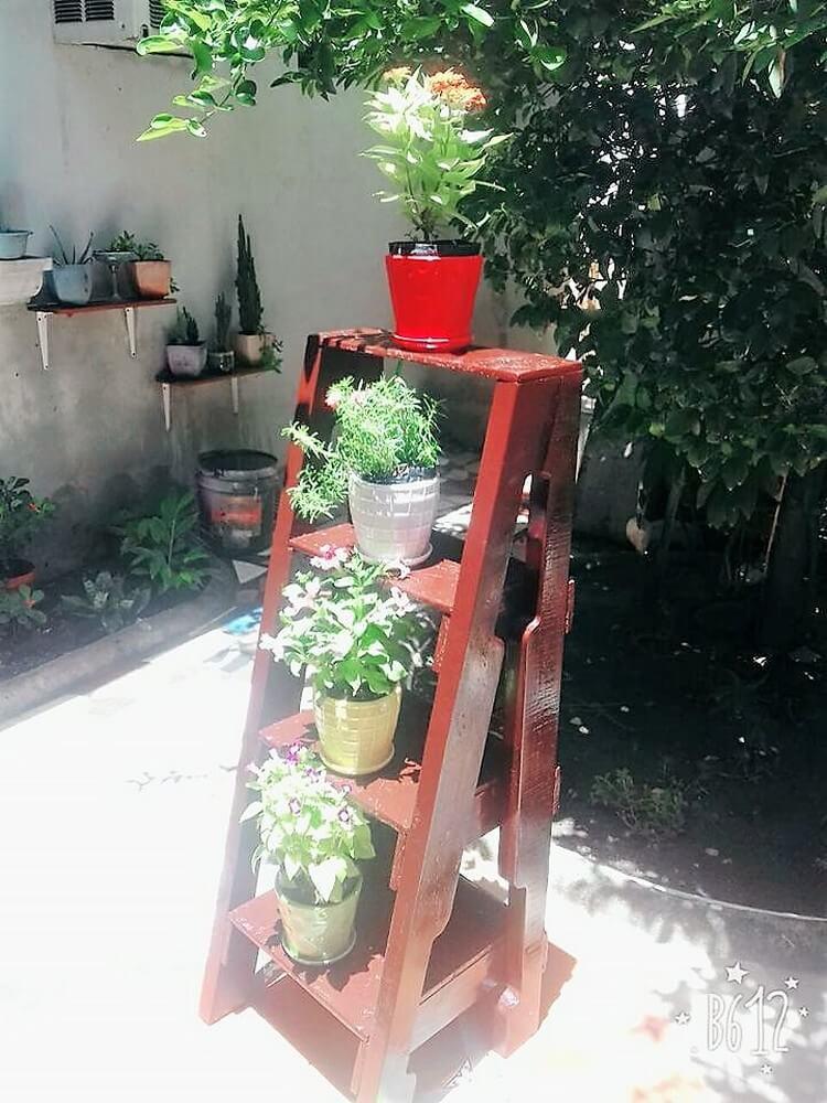 Pallet Planter Stand