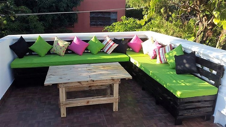 Pallet Terrace Corner Couch and Table
