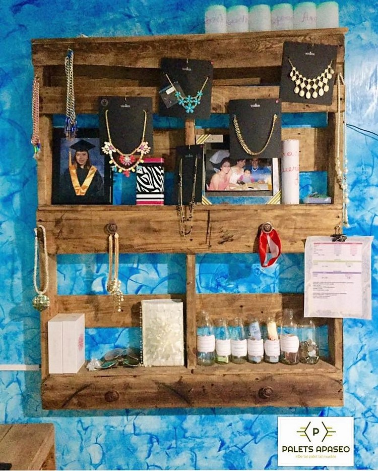 Pallet Wall Jewelry Rack