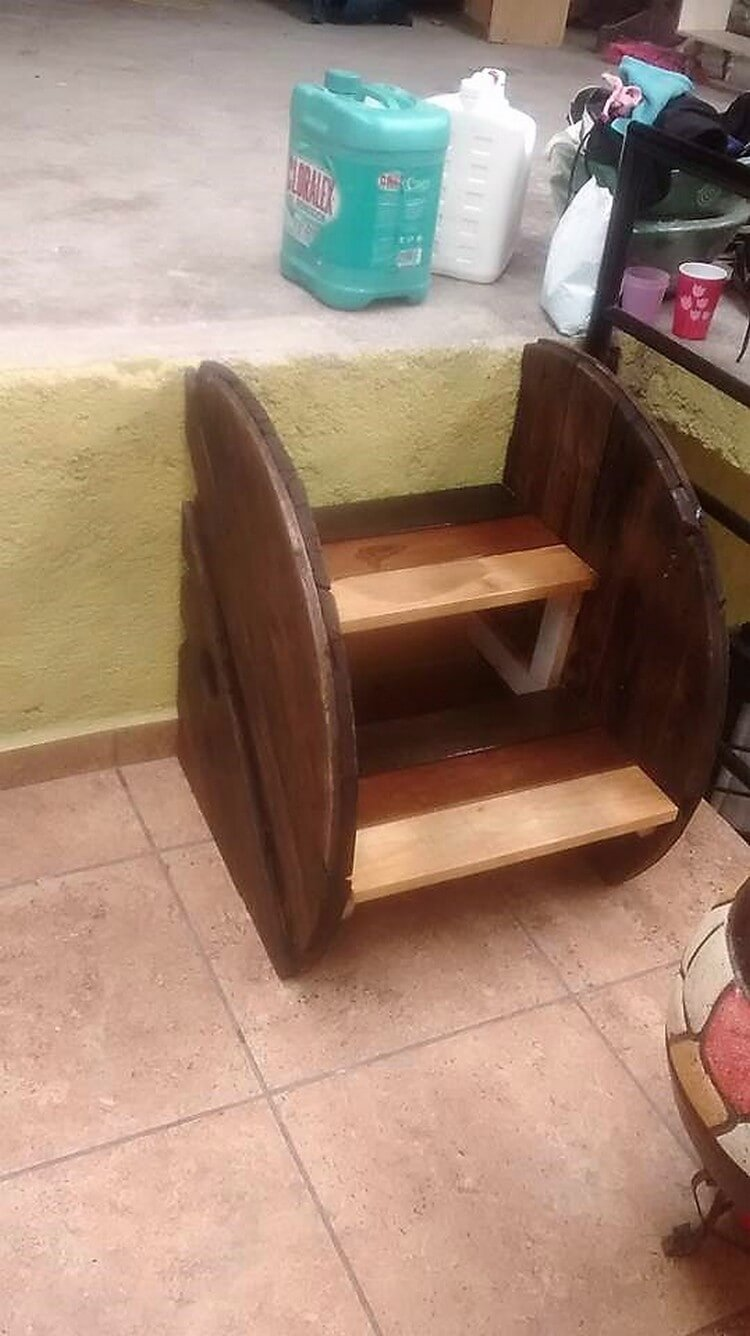 Pallet and Cable Reel Mini Stair