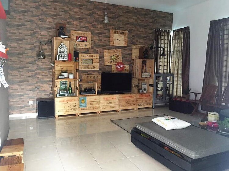 Wood Pallet Entertainment Center