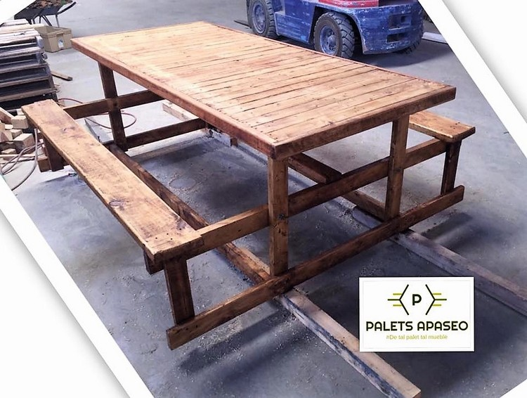 Wood Pallet Table with Benches