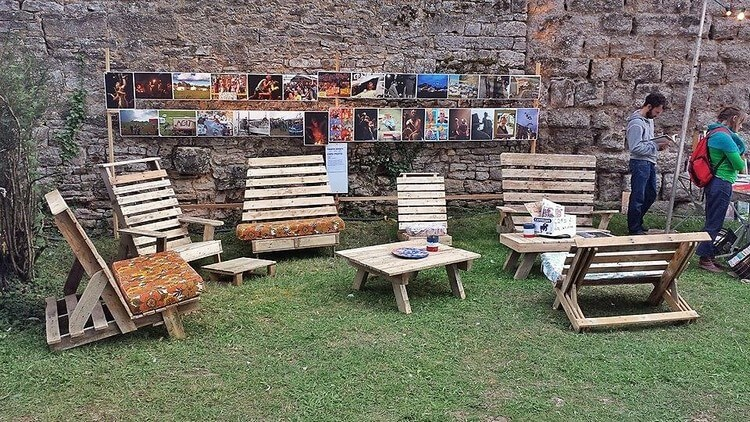 Pallet Garden Adirondack Furniture Set