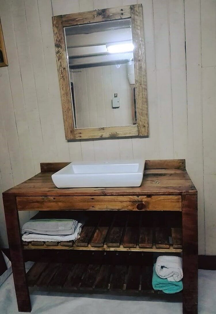 Pallet Sink Table with Towel Rack