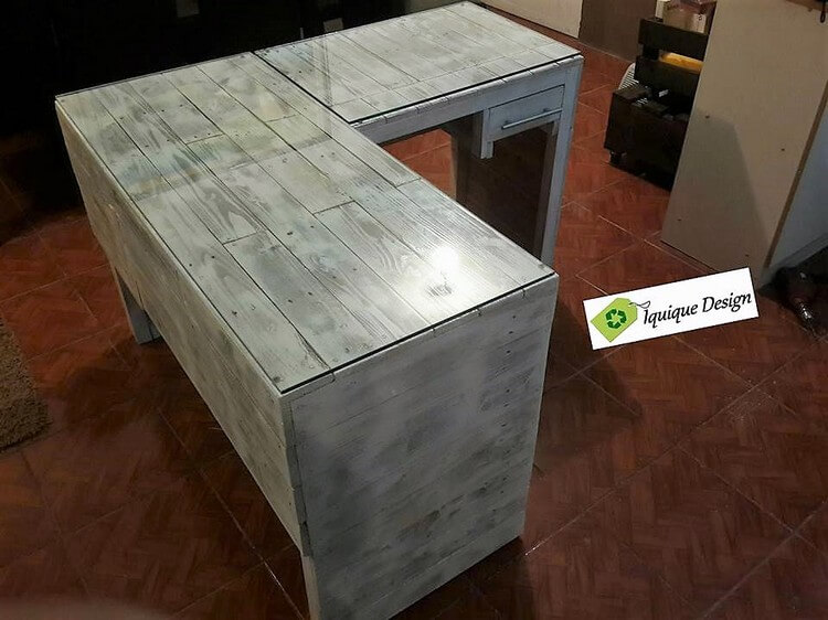 Recycled Pallet Reception Desk with Glass Top